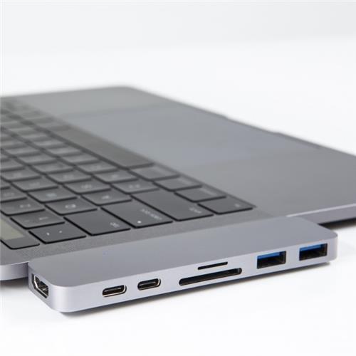 Hyper USB-C Hub s Thunderbolt 3 - strieborný HY-GN28B-SILVER
